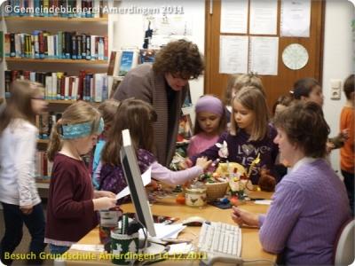 Besuch der Grundschule Amerdingen 20111214_063